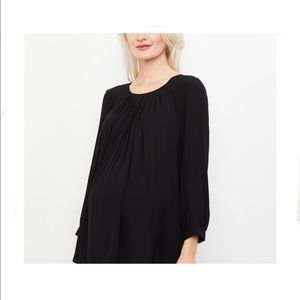 A Pea In The Pod Keyhole Pleated Blouse Size M